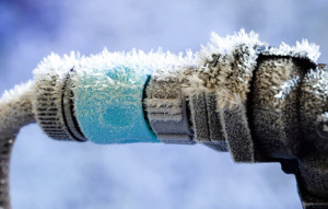 Frozen Garden Hose and water pipe connection